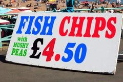 Muestra de los pescado frito con patatas fritas Fotografía de archivo libre de regalías