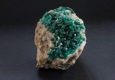 Muestra de mineral de Dioptase de Kazajistán fotos de archivo