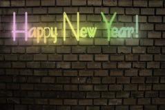 Muestra de neón de la Feliz Año Nuevo Fotos de archivo libres de regalías