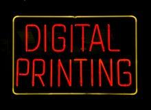 Muestra de neón de la impresión de Digitaces Foto de archivo libre de regalías