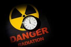 Muestra de peligro de radiación Imagenes de archivo