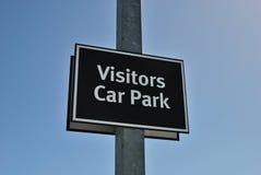 Muestra del aparcamiento de los visitantes Fotos de archivo libres de regalías