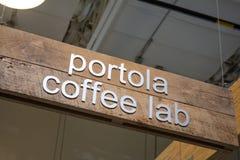 Muestra del café del laboratorio del café de Portola imágenes de archivo libres de regalías