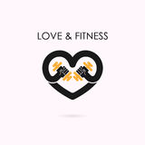 Muestra del corazón e icono de la pesa de gimnasia Aptitud y logotipo del gimnasio Atención sanitaria Imágenes de archivo libres de regalías