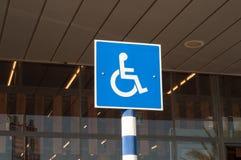Muestra del estacionamiento discapacitado Fotografía de archivo