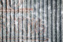 Muestra del estacionamiento prohibido en el panel del metal Imágenes de archivo libres de regalías