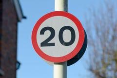 muestra del límite de velocidad de 20 mph Fotografía de archivo