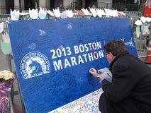 Muestra 2013 del monumento del maratón de Boston Imagenes de archivo