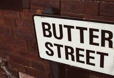 Muestra del nombre de la calle - calle de la mantequilla foto de archivo libre de regalías