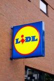 Muestra del panel de LIDL fuera del supermercado Ramifique de cadena de supermercados de LIDL Fotografía de archivo