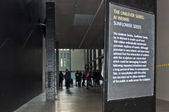 Muestra del Tate Modern sobre trabajo del Ai Weiwei del artista. Imagen de archivo libre de regalías