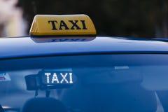 Muestra del tejado del coche del taxi Imagen de archivo