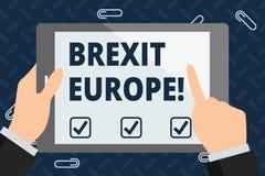 Muestra del texto que muestra Brexit Europa Posibilidad conceptual de la foto de Gran Bretaña que se retira del hombre de negocio ilustración del vector