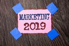 Muestra del texto que muestra el márketing 2019 Nuevo comienzo conceptual de las estrategias del mercado del Año Nuevo de la foto Imagenes de archivo