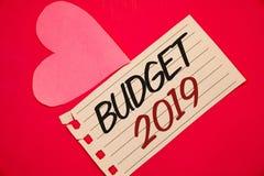 Muestra del texto que muestra el presupuesto 2019 La estimación conceptual del Año Nuevo de las fotos de rentas y los costos Plan Imagen de archivo libre de regalías