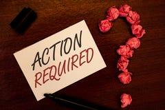Muestra del texto que muestra la acción requerida El acto importante de la foto conceptual necesitó el blac importante rápido inm Foto de archivo libre de regalías