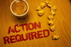 Muestra del texto que muestra la acción requerida El acto importante de la foto conceptual necesitó las palabras importantes rápi Imagen de archivo