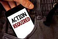 Muestra del texto que muestra la acción requerida El acto importante de la foto conceptual necesitó palabras importantes rápidas  Fotos de archivo libres de regalías