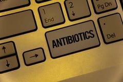 Muestra del texto que muestra los antibióticos Las fotos conceptuales drogan utilizado en el tratamiento y la prevención de las l imagenes de archivo