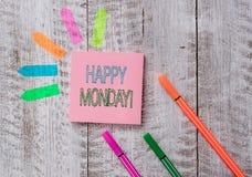 Muestra del texto que muestra lunes feliz Foto conceptual que dice que demostrando orden desearle la gran nueva nota del llano de foto de archivo libre de regalías