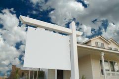 Muestra en blanco de las propiedades inmobiliarias Imagen de archivo libre de regalías