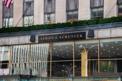Muestra en el edificio de Nueva York para Simon y Schuster Publishing Company fotos de archivo libres de regalías