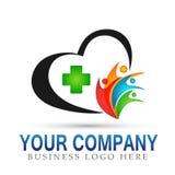 Muestra feliz médica del elemento del icono del logotipo del concepto de la compañía de la unión del corazón de la familia en el  libre illustration