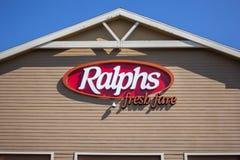 Muestra fresca del ultramarinos del precio de Ralphs foto de archivo libre de regalías