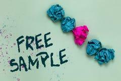 Muestra libre del texto de la escritura de la palabra El concepto del negocio para la porción de productos dados a los consumidor imágenes de archivo libres de regalías