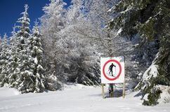 Muestra: ¡Ningún esquí aquí! Fotografía de archivo libre de regalías