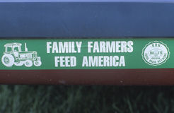 Muestra para la ayuda de la granja en South Bend, ADENTRO Imágenes de archivo libres de regalías