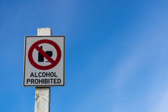 Muestra prohibida alcohol imagenes de archivo