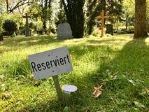 Muestra reservada en un diagrama en un cementerio Fotografía de archivo
