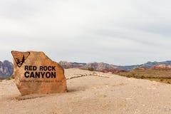 Muestra roja del barranco de la roca con el espacio de la copia Foto de archivo libre de regalías