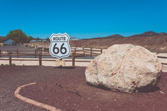 Muestra Route 66, Arizona, los E.E.U.U. imagenes de archivo