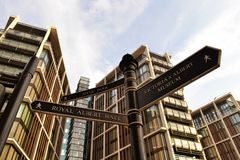 Muestra una Hyde Park de las señales de Londres Imagen de archivo libre de regalías