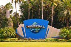 Muestra Universal Studios situado en la intersección del bulevar y de Hollywood universales Boulevar fotos de archivo libres de regalías