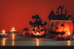 Muestra y decoración del concepto del festival del feliz Halloween Fotos de archivo libres de regalías