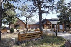Muestra y edificios de la reserva natural de la montaña del puesto de observación Imágenes de archivo libres de regalías