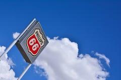 Muestra y logotipo de la gasolinera Phillips 66 Foto de archivo