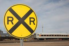 Muestra y Railcar de la travesía de ferrocarril Imagen de archivo