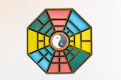 Muestra y símbolo de Yin Yang del chino Fotografía de archivo
