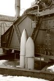 Muestras de cáscaras cerca del ruso obús M1915 de 305 milímetros Imagen de archivo
