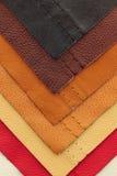 Muestras de cuero de la tapicería Fotos de archivo libres de regalías