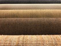 Muestras de diversa textura tejida de la alfombra del sisal y natural Imagen de archivo libre de regalías