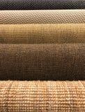 Muestras de diversa textura tejida de la alfombra del sisal y natural Imágenes de archivo libres de regalías