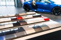 Muestras de la pintura del coche imagenes de archivo