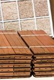 Muestras de madera del suelo y de la alfombra Imágenes de archivo libres de regalías
