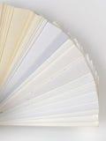 Muestras de papel para las tarjetas de visita Foto de archivo