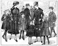 Muestras de ropa de moda de una revista del viejo estilo Fotos de archivo libres de regalías